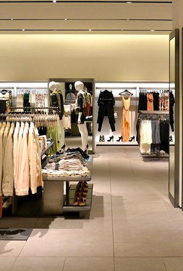Elliot_articolo_Shopping-virtuale-ma-in-negozio